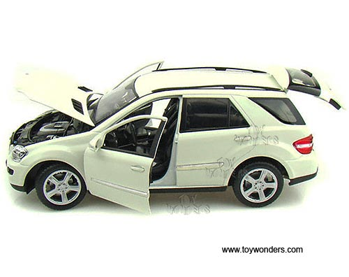 Mercedes benz ml350 suv by welly 1 18 scale diecast model for Diecast mercedes benz